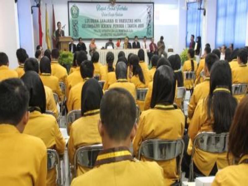 Rapat Senat Terbuka dalam Rangka Yudisium Sarjana MIPA Gelombang XXXIV Periode I Tahun 2015